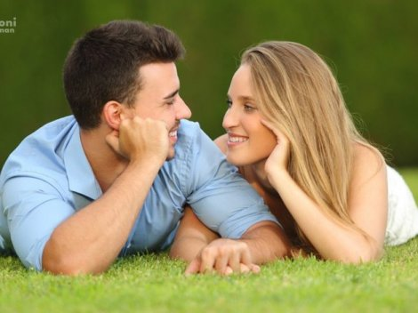 7 признаков того, что ты нравишься мужчине